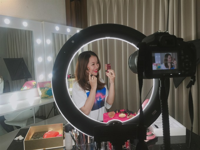 Vietnam youth tap into blogging, vlogging trend, social news, vietnamnet bridge, english news, Vietnam news, news Vietnam, vietnamnet news, Vietnam net news, Vietnam latest news, vn news, Vietnam breaking news