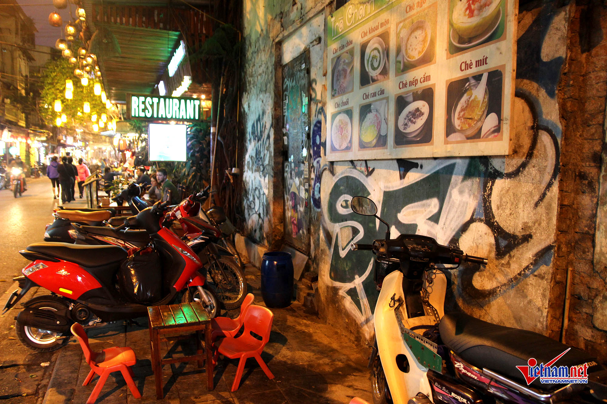 Hanoi Old Quarter suffers graffiti tag rash