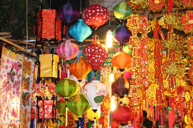 Best views in Hanoi for photos during Lunar New Year festival, entertainment events, entertainment news, entertainment activities, what's on, Vietnam culture, Vietnam tradition, vn news, Vietnam beauty, news Vietnam, Vietnam news, Vietnam net news,
