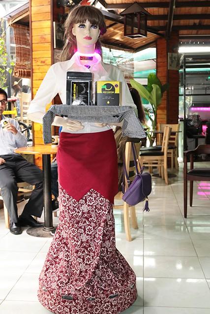 Robot serves HCM City restaurant, IT news, sci-tech news, vietnamnet bridge, english news, Vietnam news, news Vietnam, vietnamnet news, Vietnam net news, Vietnam latest news, Vietnam breaking news, vn news