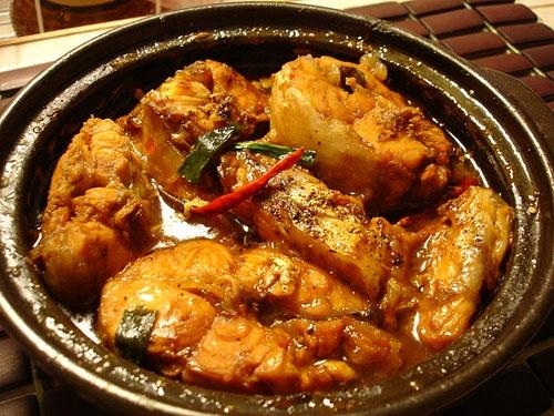 Braised and Caramelised Fish in Coconut Milk, travel news, Vietnam guide, Vietnam airlines, Vietnam tour, tour Vietnam, Hanoi, ho chi minh city, Saigon, travelling to Vietnam, Vietnam travelling, Vietnam travel, vn news