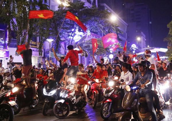 Drunk on high spirits, social news, vietnamnet bridge, english news, Vietnam news, news Vietnam, vietnamnet news, Vietnam net news, Vietnam latest news, vn news, Vietnam breaking news