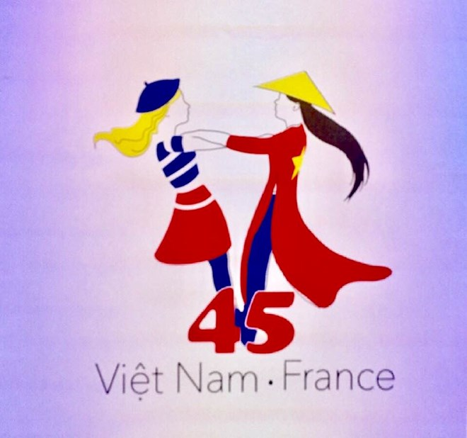 Party delegation pays working visit to China, Vietnam, France hold high-level economic dialogue, Logo designed to celebrate Vietnam-France diplomatic ties, Friendship year contributes to Vietnam's diplomatic successes in 2017