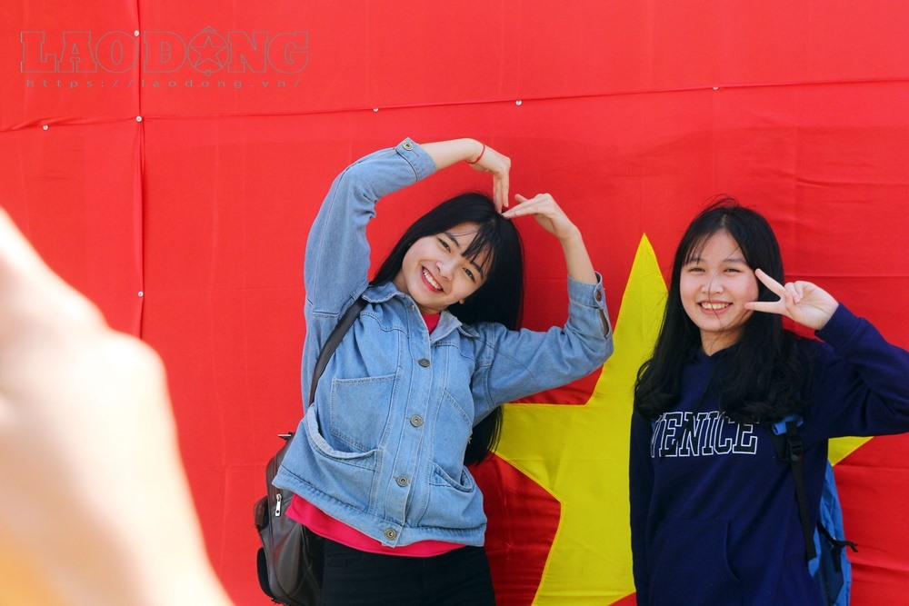 Hanoi turns red to cheer U23 team, social news, vietnamnet bridge, english news, Vietnam news, news Vietnam, vietnamnet news, Vietnam net news, Vietnam latest news, vn news, Vietnam breaking news