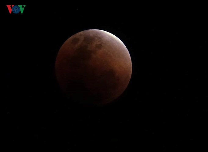 Best pictures of super blue blood moon in HCM City, IT news, sci-tech news, vietnamnet bridge, english news, Vietnam news, news Vietnam, vietnamnet news, Vietnam net news, Vietnam latest news, Vietnam breaking news, vn news