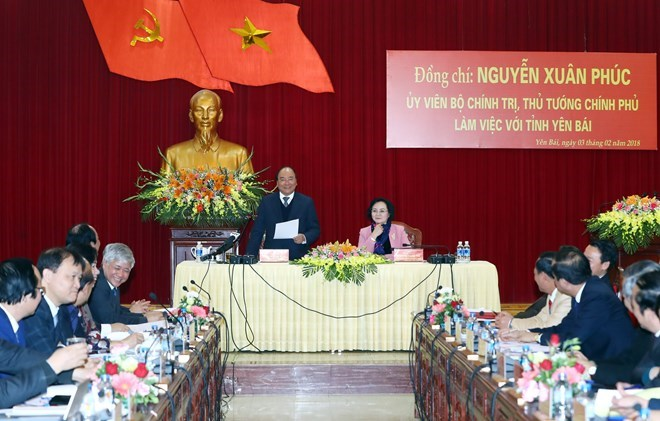 , Vietnamese, Lao government offices boost ties, PM's gifts granted to needy Vietnamese, Cambodian families, Vietnam active at conference of Asian Political Parties in Iran, Lao officials honoured for contributions to bilateral ties