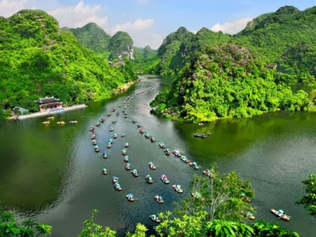 New boat tours to Trang An Complex to open at Tet, travel news, Vietnam guide, Vietnam airlines, Vietnam tour, tour Vietnam, Hanoi, ho chi minh city, Saigon, travelling to Vietnam, Vietnam travelling, Vietnam travel, vn news
