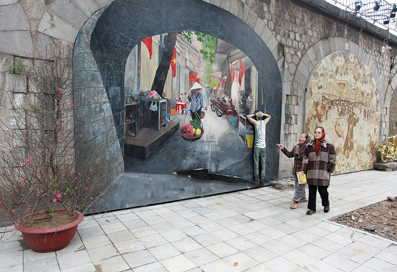 Colourful street murals in Hanoi, entertainment events, entertainment news, entertainment activities, what's on, Vietnam culture, Vietnam tradition, vn news, Vietnam beauty, news Vietnam, Vietnam news, Vietnam net news, vietnamnet news, vietnamnet bridge