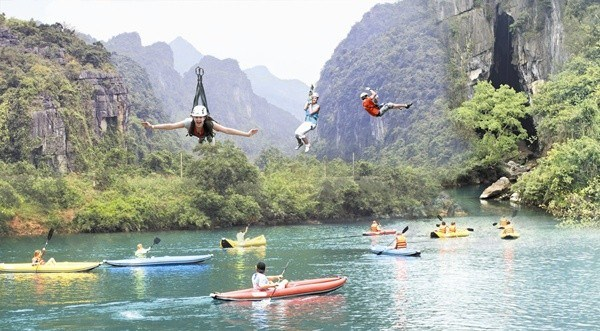 Quang Binh plans to build world's longest zip-line system, travel news, Vietnam guide, Vietnam airlines, Vietnam tour, tour Vietnam, Hanoi, ho chi minh city, Saigon, travelling to Vietnam, Vietnam travelling, Vietnam travel, vn news