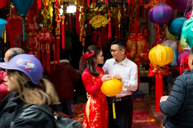 Hanoi Old Quarter a hive of activity as Tet draws near, entertainment events, entertainment news, entertainment activities, what's on, Vietnam culture, Vietnam tradition, vn news, Vietnam beauty, news Vietnam, Vietnam news, Vietnam net news, vietnamnet ne