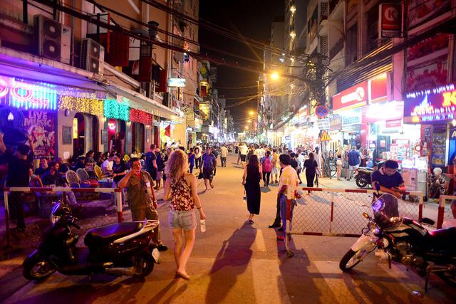 Bui Vien pedestrian hours to be lengthened, travel news, Vietnam guide, Vietnam airlines, Vietnam tour, tour Vietnam, Hanoi, ho chi minh city, Saigon, travelling to Vietnam, Vietnam travelling, Vietnam travel, vn news