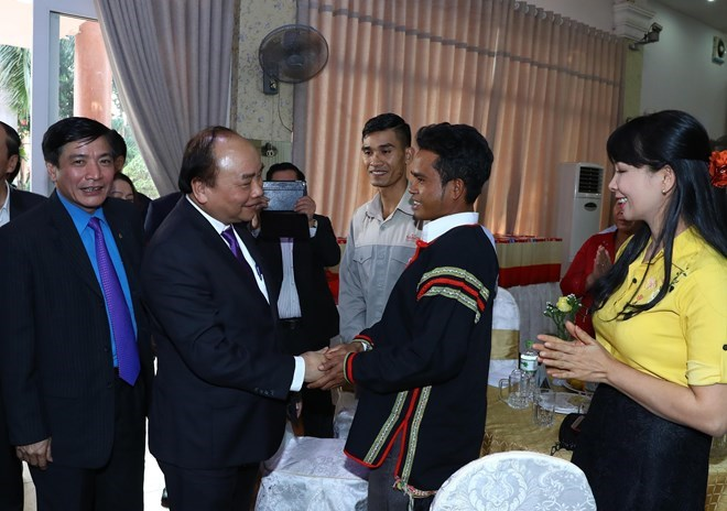 , Vice NA Chairwoman meets OV teachers from Thailand, Vietnam, Lao diplomats meet in Washington ahead of Tet, PM presents Tet gifts to poor ethnic households in Dak Nong, HCM City officials commemorate war martyrs