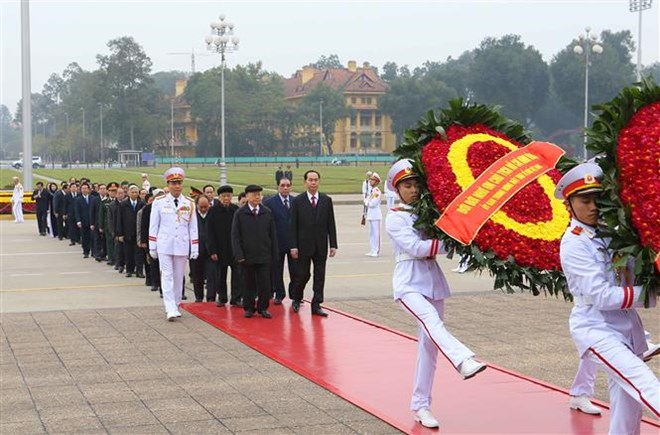 Leaders pay tribute to President Ho Chi Minh ahead of Tet, PM lauds capital High Command, Party chief receives French Ambassador, PM pays tribute to late Party, gov't leaders, President pays Tet visits to outstanding intellectuals in Hanoi