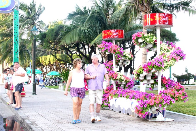 Foreign tourists flock to Nha Trang to celebrate Tet, travel news, Vietnam guide, Vietnam airlines, Vietnam tour, tour Vietnam, Hanoi, ho chi minh city, Saigon, travelling to Vietnam, Vietnam travelling, Vietnam travel, vn news