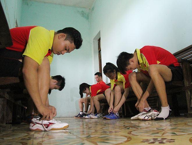 as-happy-as-vietnamese-junior-table-tennis-team