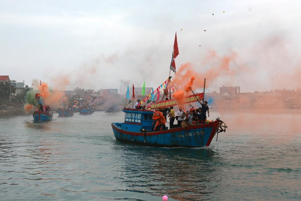 Fishermen start first voyage of new lunar year