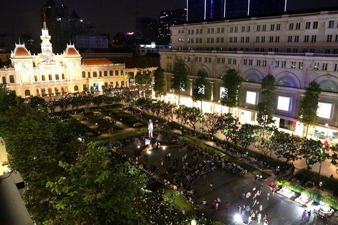 Vietnam welcomes Lunar New Year with fireworks and art performances, entertainment events, entertainment news, entertainment activities, what's on, Vietnam culture, Vietnam tradition, vn news, Vietnam beauty, news Vietnam, Vietnam news, Vietnam net news,
