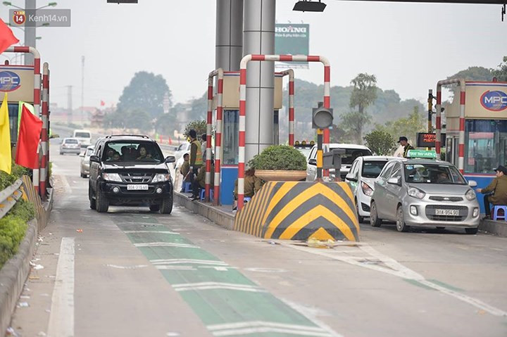 Routes into cities overloaded as people return after Tet, social news, vietnamnet bridge, english news, Vietnam news, news Vietnam, vietnamnet news, Vietnam net news, Vietnam latest news, vn news, Vietnam breaking news