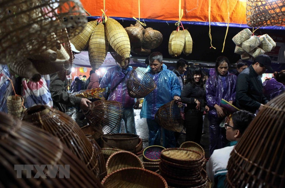 Once-a-year market offers luck for sale, entertainment events, entertainment news, entertainment activities, what's on, Vietnam culture, Vietnam tradition, vn news, Vietnam beauty, news Vietnam, Vietnam news, Vietnam net news, vietnamnet news, vietnamnet