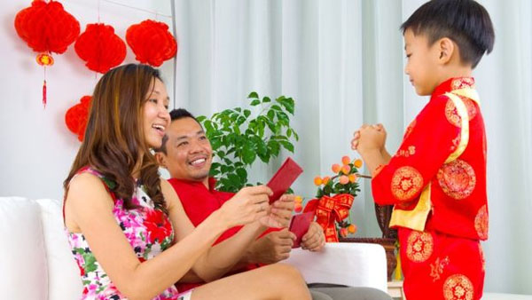 lunar new year who owns the lucky money in a red envelope news