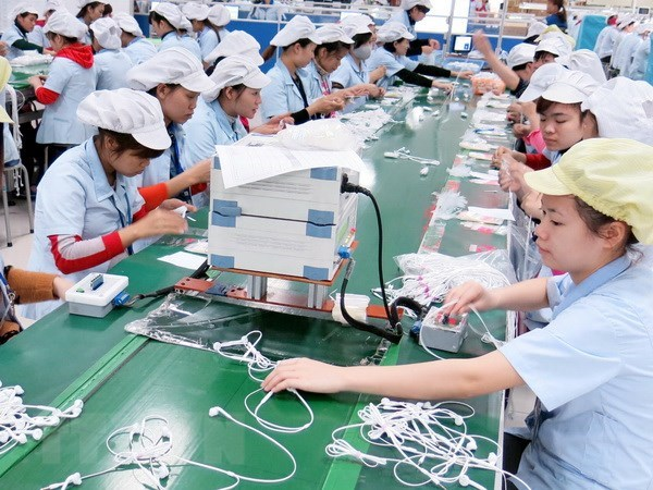 Salary of workers increased by 9.3 percent in 2017, vietnam economy, business news, vn news, vietnamnet bridge, english news, Vietnam news, news Vietnam, vietnamnet news, vn news, Vietnam net news, Vietnam latest news, Vietnam breaking news