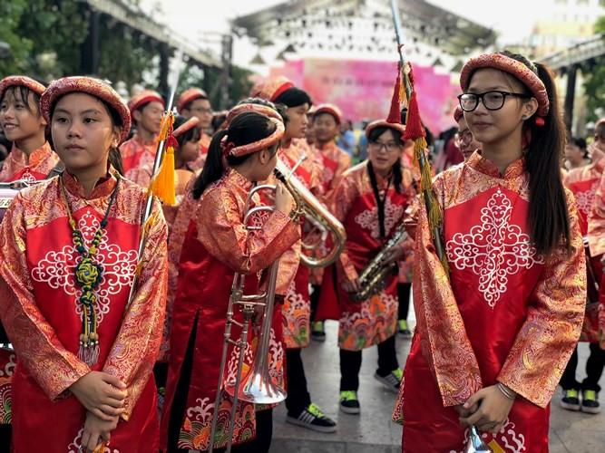 Elegance of Ao dai fills Nguyen Hue Street, entertainment events, entertainment news, entertainment activities, what's on, Vietnam culture, Vietnam tradition, vn news, Vietnam beauty, news Vietnam, Vietnam news, Vietnam net news, vietnamnet news, vietnamn
