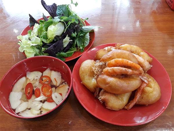 West Lake shrimp cakes,  Banh Tom Ho Tay Restaurant, Vietnam economy, Vietnamnet bridge, English news about Vietnam, Vietnam news, news about Vietnam, English news, Vietnamnet news, latest news on Vietnam, Vietnam