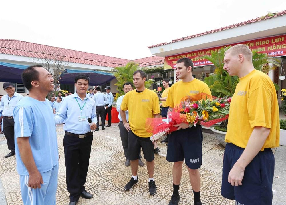 US Navy officers visit Da Nang's centre for mentally ill patients, social news, vietnamnet bridge, english news, Vietnam news, news Vietnam, vietnamnet news, Vietnam net news, Vietnam latest news, vn news, Vietnam breaking news