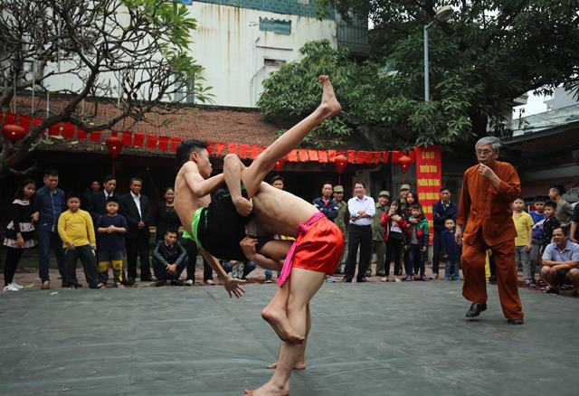 Annual wrestling festival in Mai Dong Village, entertainment events, entertainment news, entertainment activities, what's on, Vietnam culture, Vietnam tradition, vn news, Vietnam beauty, news Vietnam, Vietnam news, Vietnam net news, vietnamnet news, vietn