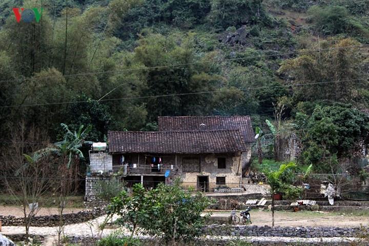Discover Khuoi Ky rock village in Cao Bang, travel news, Vietnam guide, Vietnam airlines, Vietnam tour, tour Vietnam, Hanoi, ho chi minh city, Saigon, travelling to Vietnam, Vietnam travelling, Vietnam travel, vn news