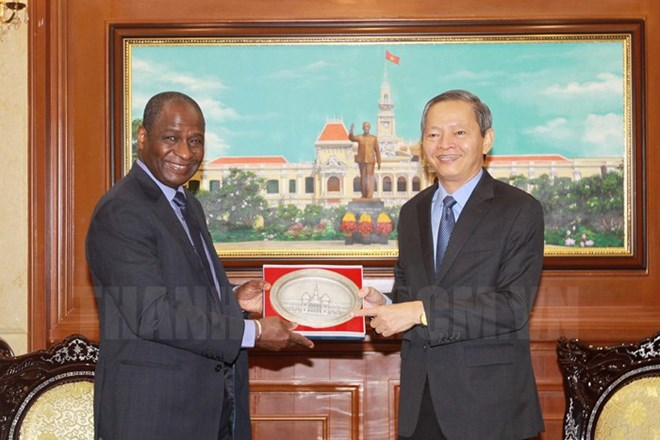 Prime Minister sends congratulation to Chinese Premier, President: press greatly contributes to national achievements, HCM City wants to boost Francophone cooperation, Vietnamese Embassy in Germany conducts citizen protection