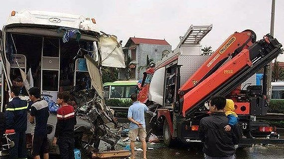 Deputy PM urges ministries to investigate four vehicle accidents on expressway, Quang Tri border guards bust trans-national drug ring, Entertainment activities suspended for Former Prime Minister's mourning days