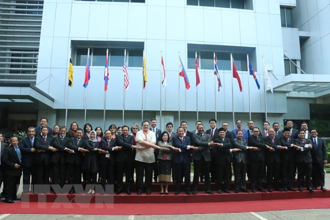 Vietnamese, Turkmen foreign ministries hold political consultation, Vietnam attends ASEANSAI conference in Indonesia, Deputy PM calls for efforts to keep core inflation at 1.6-1.8 percent