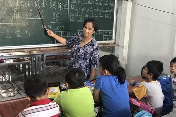 Retired teacher Vo Thi Son, free classes, Vietnam economy, Vietnamnet bridge, English news about Vietnam, Vietnam news, news about Vietnam, English news, Vietnamnet news, latest news on Vietnam, Vietnam