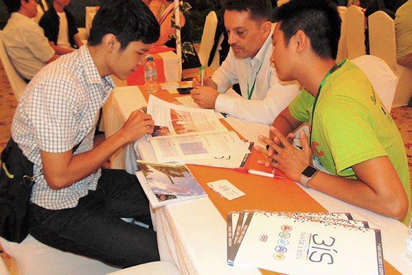 Số sinh viên Việt Nam tăng nhanh ở Canada