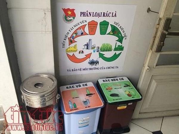 Separating waste a smelly, waste collection equipment, Vietnam economy, Vietnamnet bridge, English news about Vietnam, Vietnam news, news about Vietnam, English news, Vietnamnet news, latest news on Vietnam, Vietnam