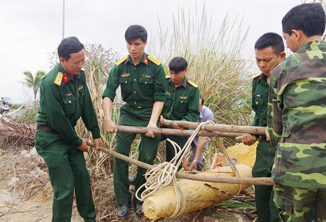Quang Ninh, Hoa Binh tackle war-left bombs, social news, vietnamnet bridge, english news, Vietnam news, news Vietnam, vietnamnet news, Vietnam net news, Vietnam latest news, vn news, Vietnam breaking news