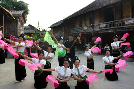 Unique culture offers opportunity for Tay women to do tourism, travel news, Vietnam guide, Vietnam airlines, Vietnam tour, tour Vietnam, Hanoi, ho chi minh city, Saigon, travelling to Vietnam, Vietnam travelling, Vietnam travel, vn news