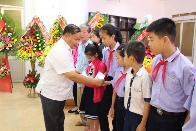 Lao traditional New Year celebrated in Hanoi, Multiple activities to be held for the disabled, Book on green economy for sustainable development launched, Thua Thien-Hue launches USAID-funded forest protection project