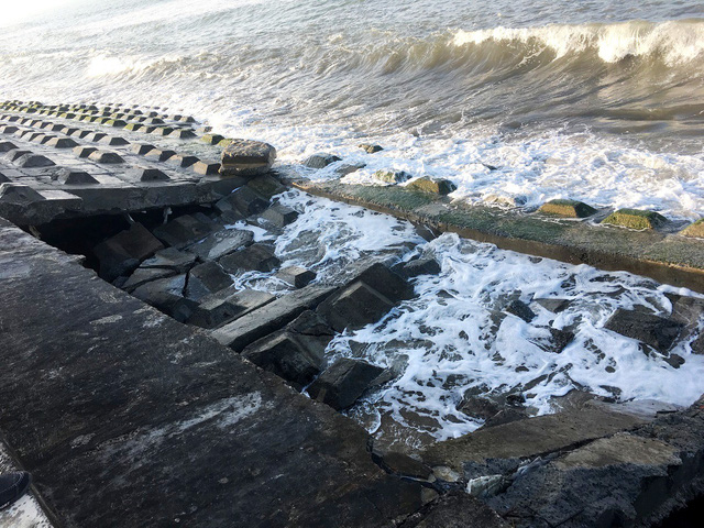 Hoi An beach continues to face erosion, Vietnam environment, climate change in Vietnam, Vietnam weather, Vietnam climate, pollution in Vietnam, environmental news, sci-tech news, vietnamnet bridge, english news, Vietnam news, news Vietnam, vietnamnet news