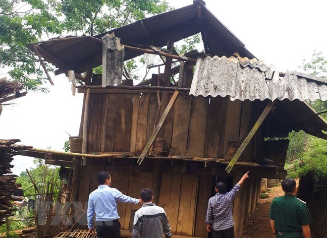 Whirlwinds tear roofs off hundreds houses in northern provinces, social news, vietnamnet bridge, english news, Vietnam news, news Vietnam, vietnamnet news, Vietnam net news, Vietnam latest news, vn news, Vietnam breaking news