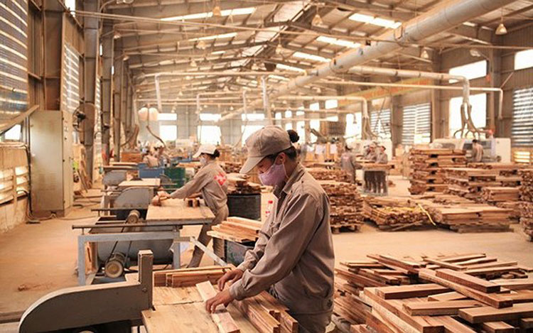 Changes in target markets worry wooden furniture exporters