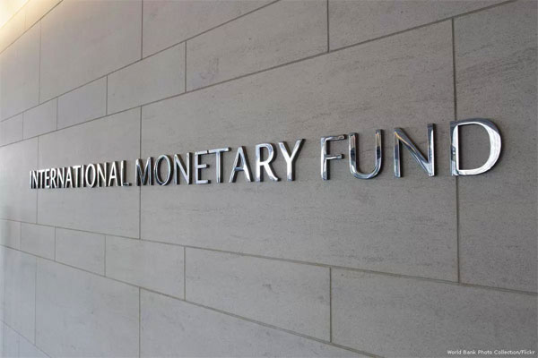 IMF issues warning on global debt