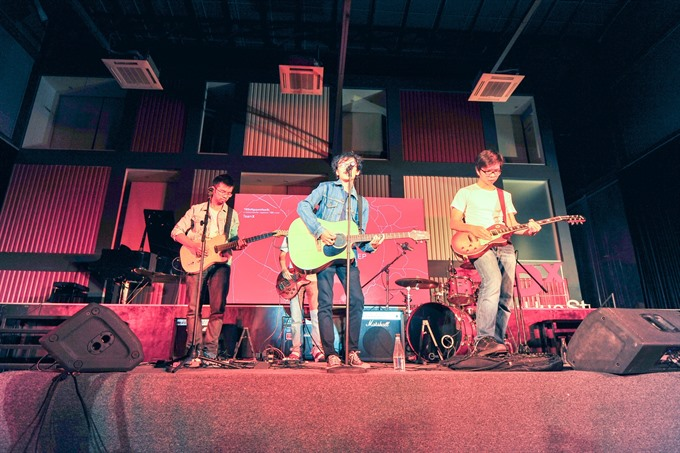 Indie band launches music movie, Vietnamese, Lao provinces enhance medical cooperation, Quang Nam seized 2 tonnes smuggled timber, Alternative education approaches proving popular