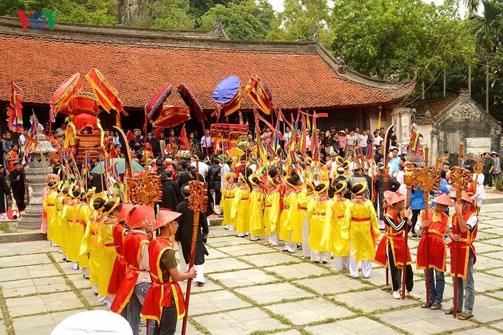 Thay Pagoda festival draws crowds from near and far