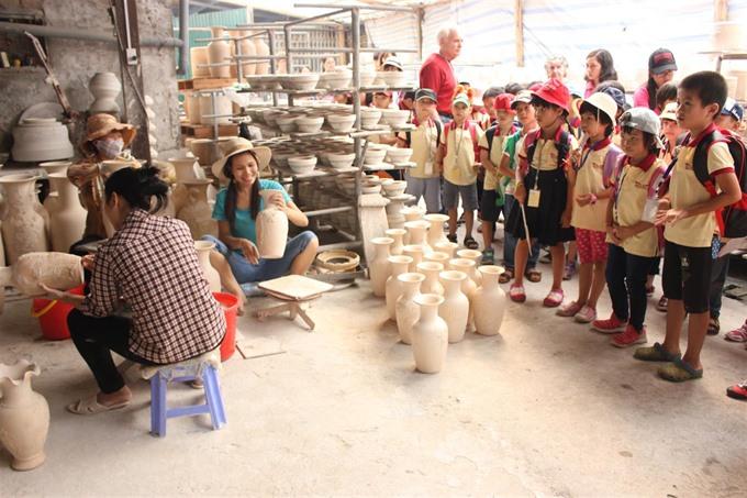 Hanoi's craft villages lack skilled labourers
