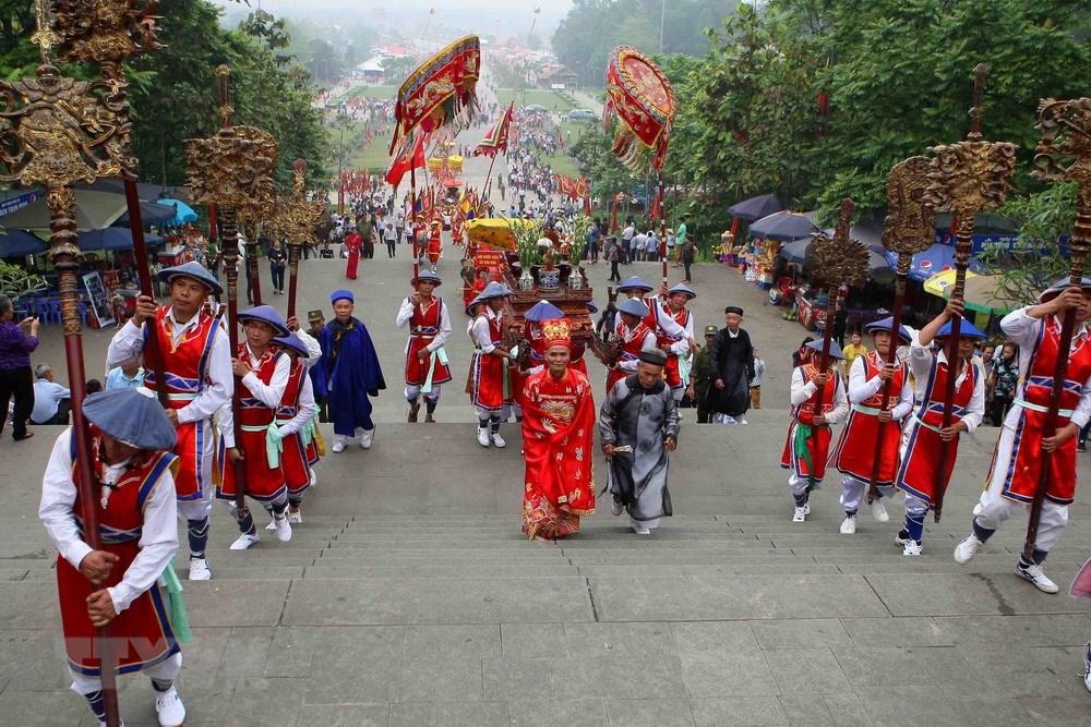 Palanquin procession celebrates Hung Kings Temple Festival, entertainment events, entertainment news, entertainment activities, what's on, Vietnam culture, Vietnam tradition, vn news, Vietnam beauty, news Vietnam, Vietnam news, Vietnam net news, vietnamne