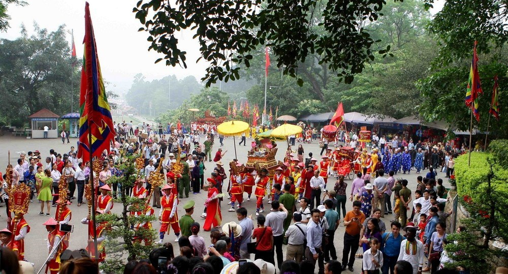 Palanquin procession celebrates Hung Kings Temple Festival, entertainment events, entertainment news, entertainment activities, what's on, Vietnam culture, Vietnam tradition, vn news, Vietnam beauty, news Vietnam, Vietnam news, Vietnam net news, vietnamne