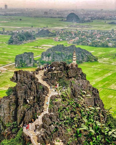 Breathtaking views at Ninh Binh's Mua Cave, travel news, Vietnam guide, Vietnam airlines, Vietnam tour, tour Vietnam, Hanoi, ho chi minh city, Saigon, travelling to Vietnam, Vietnam travelling, Vietnam travel, vn news