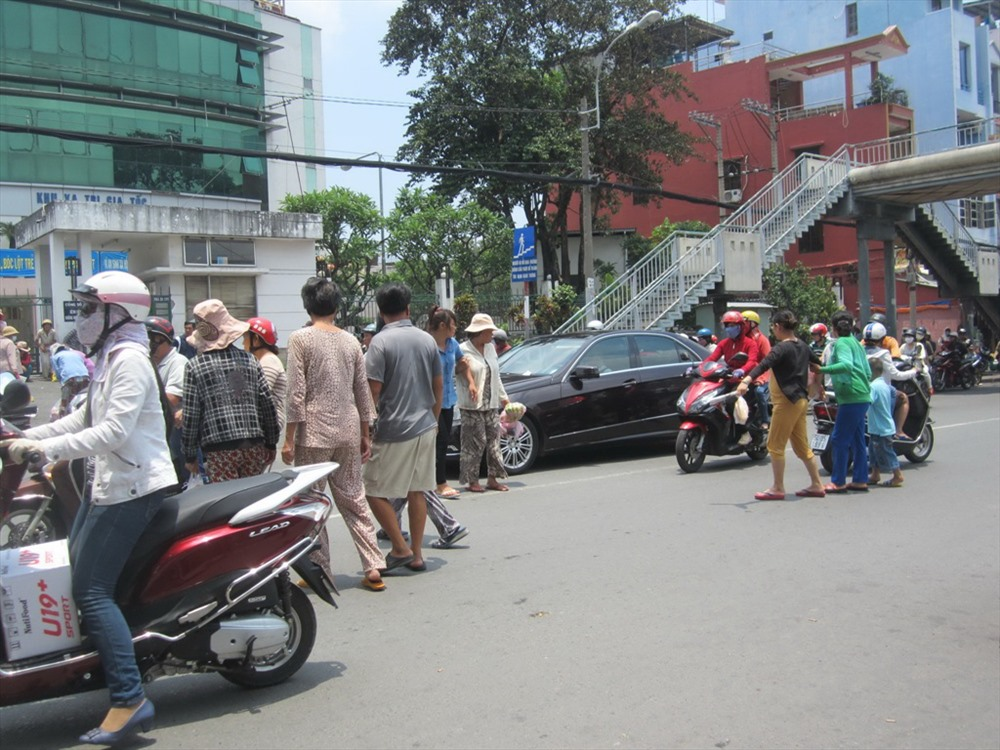 Pedestrians prefer street level crossings, social news, vietnamnet bridge, english news, Vietnam news, news Vietnam, vietnamnet news, Vietnam net news, Vietnam latest news, vn news, Vietnam breaking news